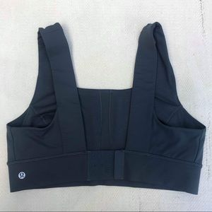 LULULEMON 10 navy blue sports bra